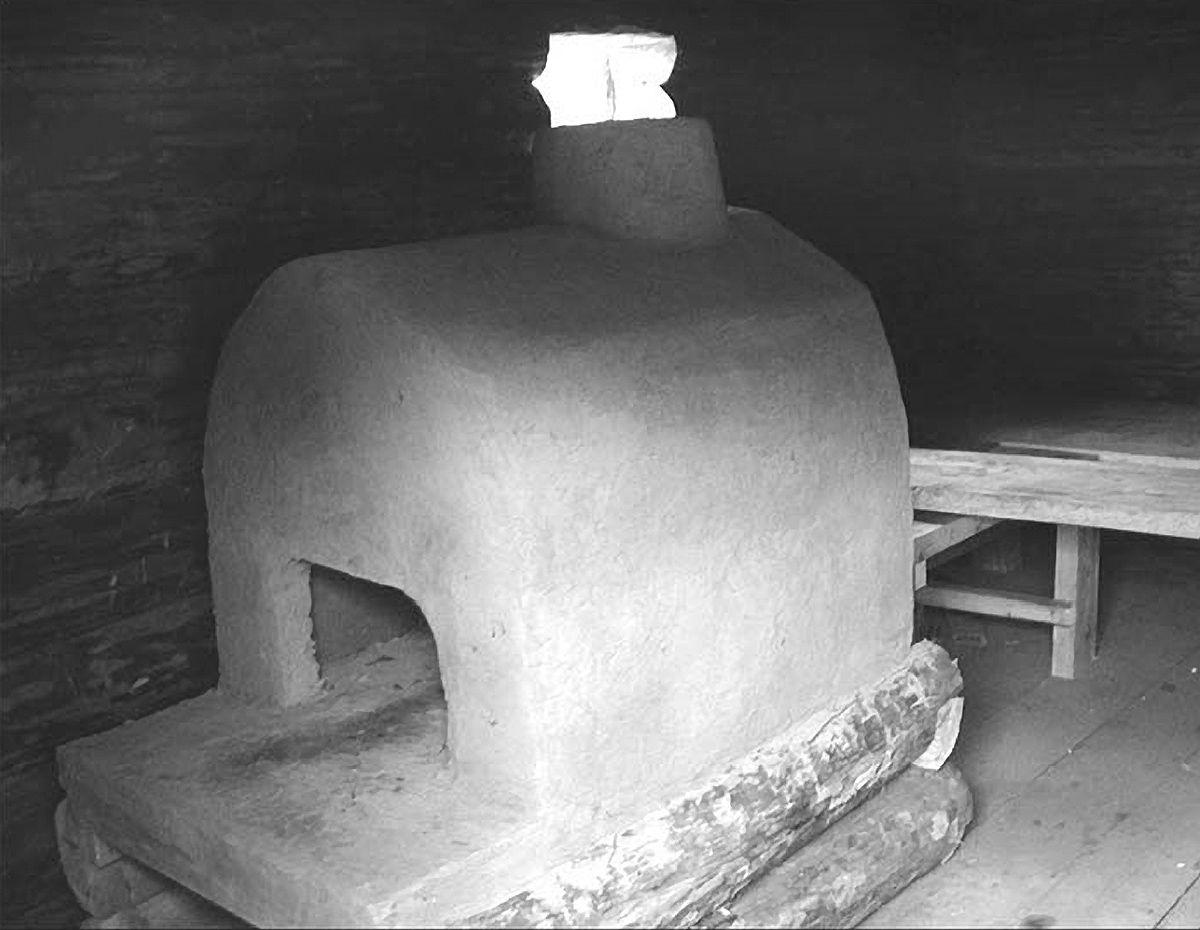 Печь из глины в русской бане